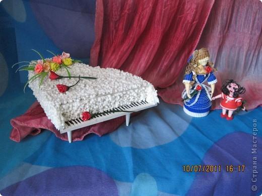 Куколки и рояль