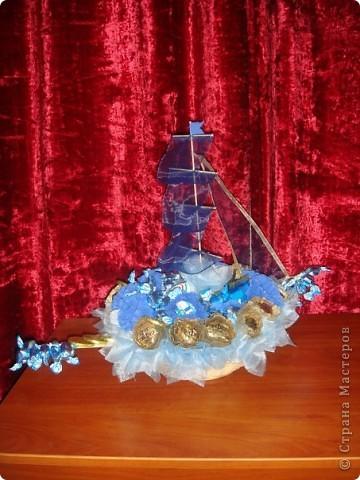 Корабль из конфет фото 2