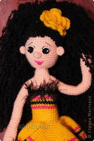 """Рада представить вам балерину Ангелину. Эта жгучая брюнеточка знает толк в прекрасной жизни,неутомимом веселье,музыке и танцах.Она танцует,кружится и заряжает всё вокруг своей энергией. Рост 48см,нитки """"Пехорка"""" акрил.  фото 1"""