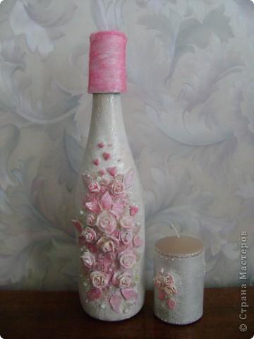 Бутылка. Лепка пластикой, оформление бисером. Моя повторюшка-розовушка.Цветы раскрашены акриловыми красками. фото 2