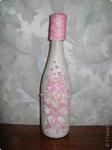 Бутылка. Лепка пластикой, оформление бисером. Моя повторюшка-розовушка.Цветы раскрашены акриловыми красками. фото 1