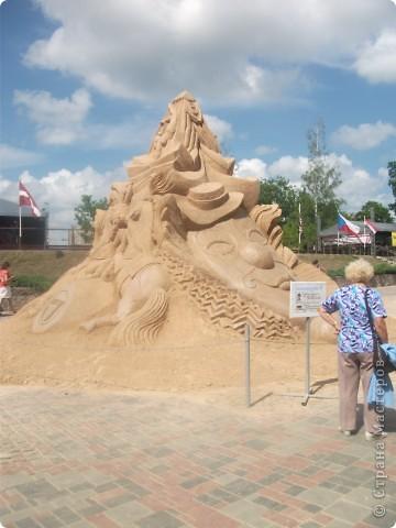 """C 4 по 10 июля в нашем городе Елгава. в парке Узварас (Победы) проходил 5-й международный фестиваль песчаных скульптур """"Summer signs""""(Знаки лета). В этом году тема фестиваля была """"Цирк"""". Участввовали 16 известных скульптуров из разных стран. фото 2"""