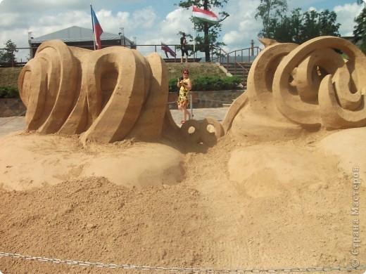 """C 4 по 10 июля в нашем городе Елгава. в парке Узварас (Победы) проходил 5-й международный фестиваль песчаных скульптур """"Summer signs""""(Знаки лета). В этом году тема фестиваля была """"Цирк"""". Участввовали 16 известных скульптуров из разных стран. фото 7"""