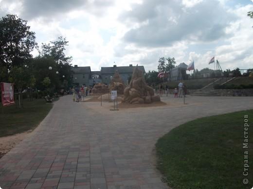 """C 4 по 10 июля в нашем городе Елгава. в парке Узварас (Победы) проходил 5-й международный фестиваль песчаных скульптур """"Summer signs""""(Знаки лета). В этом году тема фестиваля была """"Цирк"""". Участввовали 16 известных скульптуров из разных стран. фото 9"""