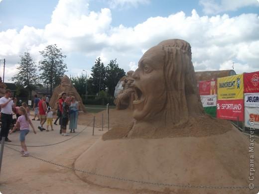 """C 4 по 10 июля в нашем городе Елгава. в парке Узварас (Победы) проходил 5-й международный фестиваль песчаных скульптур """"Summer signs""""(Знаки лета). В этом году тема фестиваля была """"Цирк"""". Участввовали 16 известных скульптуров из разных стран. фото 16"""