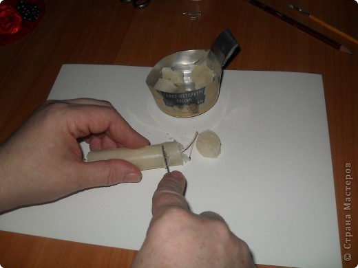 Как украсить яйцо бисером?