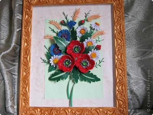 Такой букетик сложился из цветов, которые остались от большей работы, которая ниже. фото 1