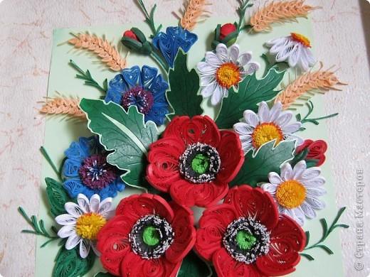 Такой букетик сложился из цветов, которые остались от большей работы, которая ниже. фото 2