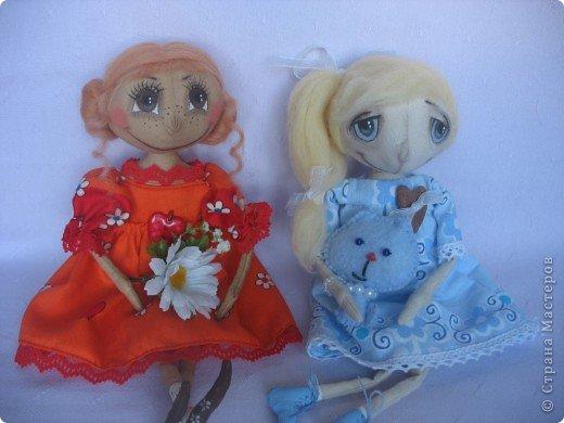 Вот такая куколка родилась у меня для замечательной девушки Наташи. Мариночка пойдёт на День рожденья к Наташке со своей ромашкой!!! фото 8