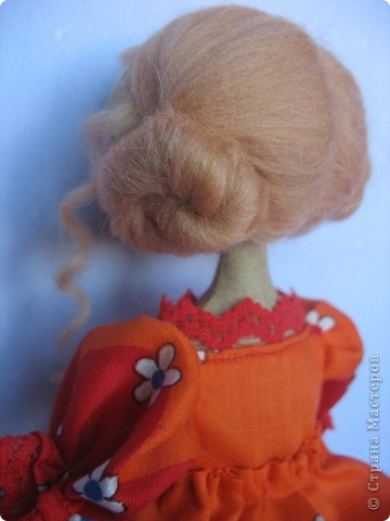 Вот такая куколка родилась у меня для замечательной девушки Наташи. Мариночка пойдёт на День рожденья к Наташке со своей ромашкой!!! фото 6