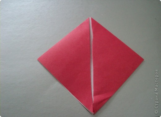 1. Разрезать квадрат по диагонали. фото 2