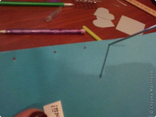 Вам понадобится: Клей ПВА,Термопистолет,ножницы,картон А4,серый и голубой цвет,карандаш,ручка,серебристая лента голубого цвета и серебряного,15см сеточки для украшения подарков(продаётся в местах упаковки подарков)2 сердечка  и 1 ключик(гальваника),кисточка или палочка для клея,цыганская игла или шило,формочка в виде сердечка,линеечка,кристаллики голубого цвета-8 штук,и хорошее настроение))) фото 20