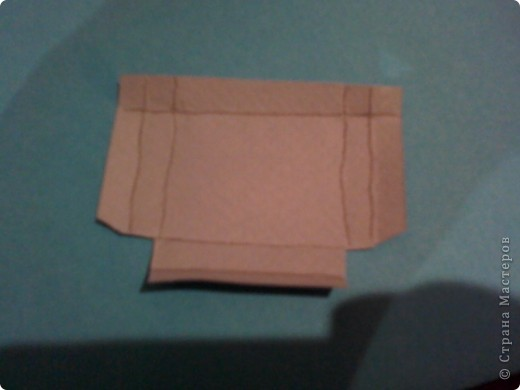 Вам понадобится: Клей ПВА,Термопистолет,ножницы,картон А4,серый и голубой цвет,карандаш,ручка,серебристая лента голубого цвета и серебряного,15см сеточки для украшения подарков(продаётся в местах упаковки подарков)2 сердечка  и 1 ключик(гальваника),кисточка или палочка для клея,цыганская игла или шило,формочка в виде сердечка,линеечка,кристаллики голубого цвета-8 штук,и хорошее настроение))) фото 23