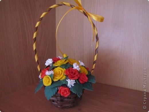 Очередная корзиночка с розами из ХФ. фото 3