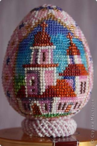Какое яичко взять и как красиво оформить его на Пасху бисером?