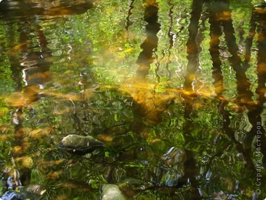 Хочу рассказать о поездке на Юг Башкирии-на красивейший двадцатиметровый водопад Гадельша.Место это потрясающее. Водопад является комплексным памятником природы. В районе водопада широко распространены различные яшмы и яшматоиды, представляющие большой интерес как ценные поделочные камни, известные во всём мире.  Дорога была длинной. Причем в гору. По каменистым тропам. Но это того стоило. Такая красота нашему взору открылась. Водопад трёхкаскадный. То есть имеет он три уровня. Вода бурлила не сильно, так как лето засушливое было, но говорят если поехать туда на майские праздники, в момент таяния снега в горах, то вода будет бурлить ой как сильно. Природа красивейшая,воздух чистый....Это была незабываемая поездка.. фото 2
