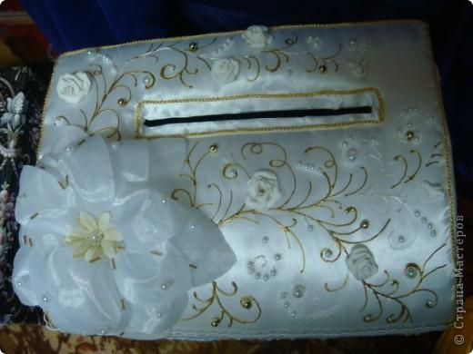На свадьбу моей старшей дочери я приготовила подарок.На свадьбе полотенца будут украшены лебедями ,хотелось поддержать эту тему. Это бокалы для жениха и невесты.Огромное спасибо Саровочке!Её работы вдохновили на создание этих бокалов. фото 6