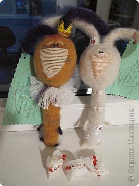 Вот они - мои долгожданные кролы! Принц Маук и его возлюбленая Мая! Они ехали долго, но даже не притронулись к конфеткам, которые им положили в дорогу. Вот это настоящая любовь!)))) фото 1