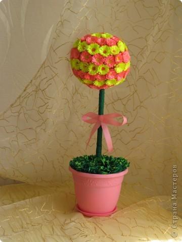 Очень веселый букетик из сотни цветов. Прекрасный элемент декора вашего дома или офиса.Всё сделано из бумаги. фото 1