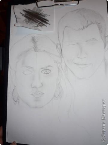 Иногда на меня находит, пытаюсь вот портреты рисовать. Получается, правда, не очень похоже, но как есть) Потом обрабатываю их в фотошопе. Просто захотелось с вами поделиться, так как знаю, что здесь не обидят и дадут дельный совет) фото 2