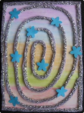 Спиральки из ниточек с люрексом. В ход пошли подарочки-дырокольности. фото 2