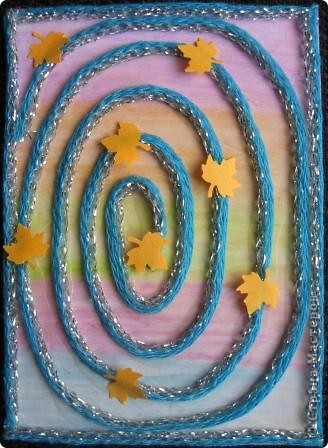 Спиральки из ниточек с люрексом. В ход пошли подарочки-дырокольности. фото 4