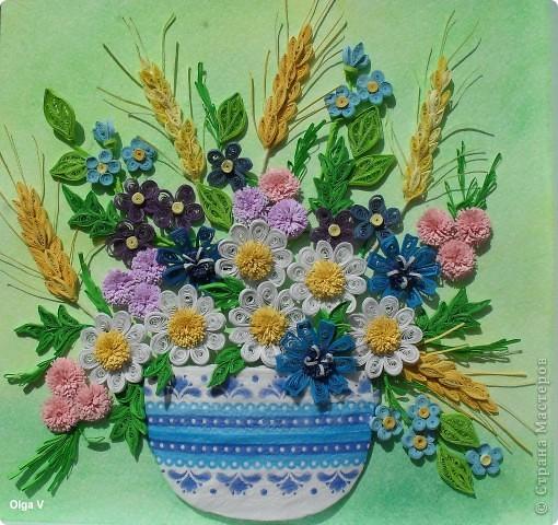 Этот букетик незатейливых полевых цветов сделала просто так, для себя в память о лете. Когда делала цветы, все время вспоминались строчки известной песни: Полевые цветы, полевые цветы Незатейливы, не капризны. Полевые цветы, полевые цветы, Как простые мечты.  фото 1