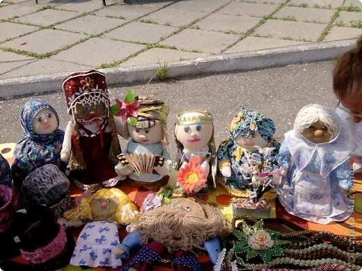 Здравствуйте дорогие мастерицы и гости сайта!Хочу вам представить фото ярмарку в нашем городе Шелехов Иркутской области.Ярмарка была проведена в честь рождения нашего города.Работы были представлены из близ лежащих сел и поселков нашей области .Представляю вам некоторые из них: фото 1