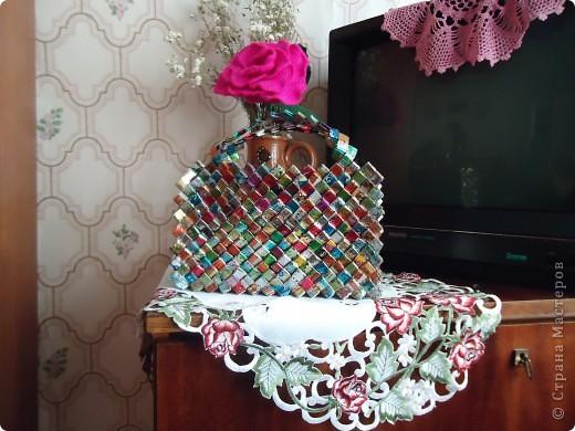 Этот наряд для выступления моя знакомая создала из фантиков. Она пенсионерка и очень творческая личность. фото 2