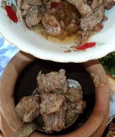 Сегодня мой муж познакомил меня с очередным грузинским блюдом - чанахи. Его мастер-класс я, как примерный ученик, законспектировала и теперь делюсь с Вами! Мы готовили в горшочке, но можно обойтись и обычной кастрюлей. фото 6