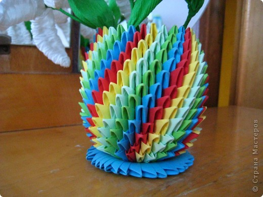 А вот я же сначала хотела делать радужного лебедя... ну что то меня потянула и начала втыкать пока не получилось это) фото 3