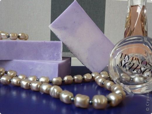 Мыло из основы на козьем молоке, масле виноградной косточки, с вит А, Е и парфюмированным ароматом CHANEL фото 2