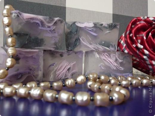 Мыло из основы на козьем молоке, масле виноградной косточки, с вит А, Е и парфюмированным ароматом CHANEL фото 3
