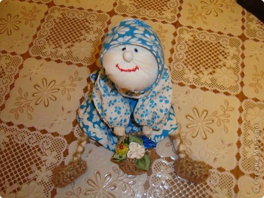 Много раз на различных ярмарках видела таких кукол, вот и решилась сшить сама. Лично меня результат порадовал, а вас? фото 1