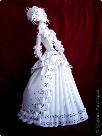 Это бумажные куклы украинской художницы Аси Гонца. Случайно увидела в интернете, захотелось вам рассказать. фото 3