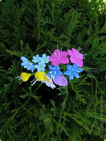 Ободок для волос украсили полевые цветочки фото 2