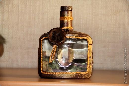 Бутылка стеклянная, клей пва, капроновые колготки, салфетка, акриловые краски. Вид спереди фото 4