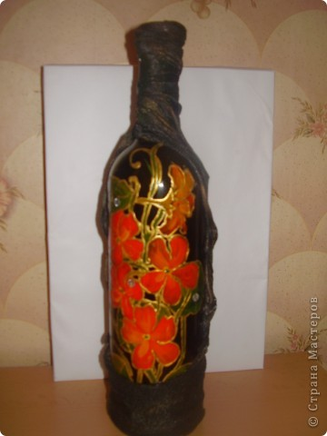 бутылка, гуашь, лак и чулки))))