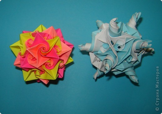 Два разноцветных кулера фото 1
