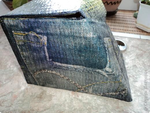 Склеила себе такой коробок, но ещё не придумала для чего он будет служить.. фото 3