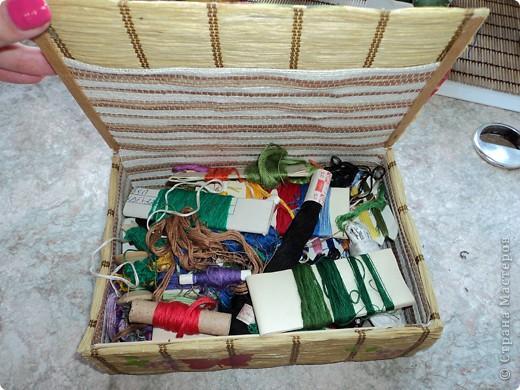 Склеила себе такой коробок, но ещё не придумала для чего он будет служить.. фото 8