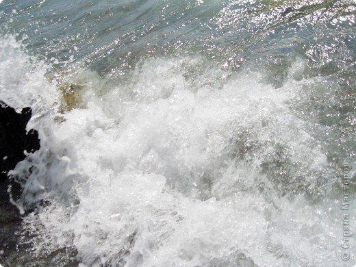 Понравилась идея АлЁнКа, приглашение на прогулку в лес.  Я приглашаю на море в Алушту. Сегодня t моря +22, небольшой ветерок, благодаря которому горный воздух смешивается с насыщенными солями, ионизированным морским воздухом. Дышите, а точнее пейте этот удивительный коктейль и БУДЬТЕ ЗДОРОВЫ! фото 7