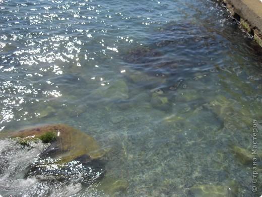 Понравилась идея АлЁнКа, приглашение на прогулку в лес.  Я приглашаю на море в Алушту. Сегодня t моря +22, небольшой ветерок, благодаря которому горный воздух смешивается с насыщенными солями, ионизированным морским воздухом. Дышите, а точнее пейте этот удивительный коктейль и БУДЬТЕ ЗДОРОВЫ! фото 9