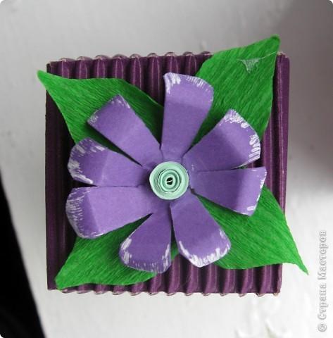 Открытка,серёжки и коробочка с фиолетовым лаком для ногтей:) Вся эта прелесть ручной работы фото 5