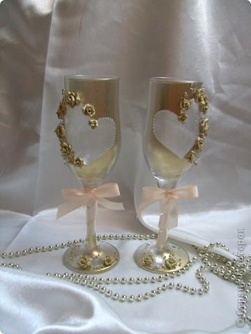 Мои бокалы номер 3, будут украшать стол молодых