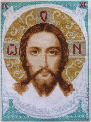 Икону вышивала по заказу для сельской церкви фото 1