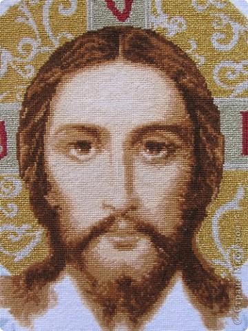 Икону вышивала по заказу для сельской церкви фото 2