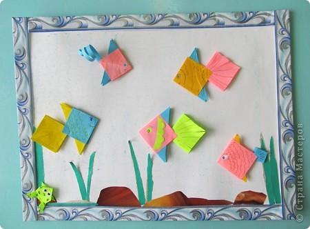 Детский оздоровительный лагерь закрылся уже более месяца назад,но всё же хочется с вами поделиться фрагментами нашей жизни в нём.   Я вела два кружка (оригами, изонить), которые проходили ежедневно. Это фото последнего дня, дети со своими работами. фото 4