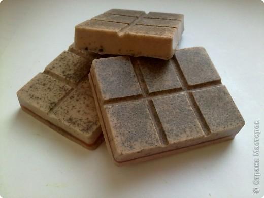 """Шоколадки) Одна полностью с какао, а две с прослойками из малинового и вишневого """"желе"""") фото 1"""