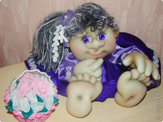 Здравствуйте всем,кто зашел на мою страничку!!! Сначала не хотела загружать фото, кукол в таком цвете я уже делала, но они уехали жить в другой дом и моя полочка опустела. Вот решила сделать для себя куклену и показать вам. фото 1